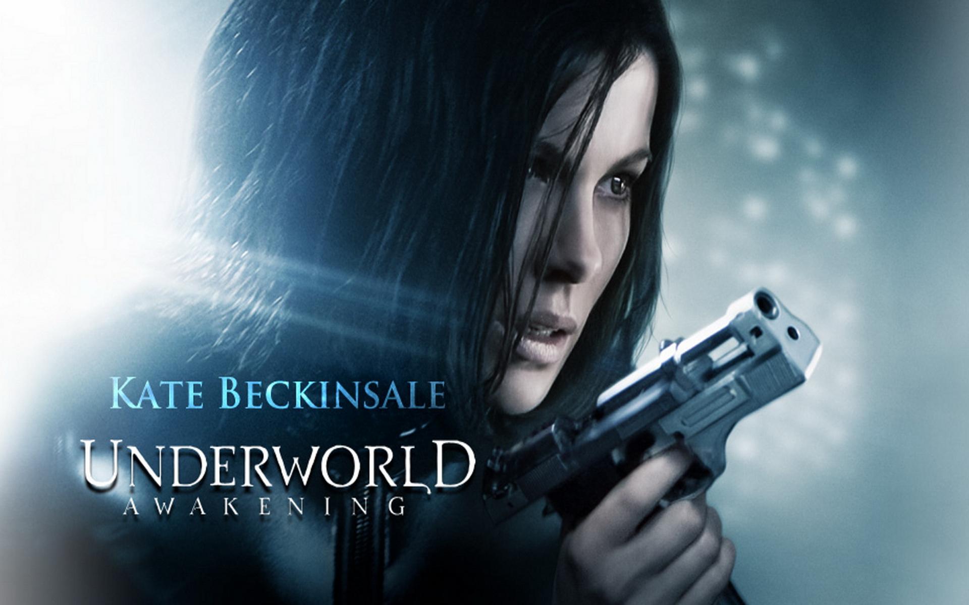 Underworld-Blue Eyed Selene-Blanc trench coat